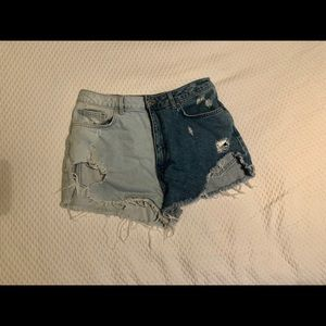 Forever 21 two toned denim shorts size 29